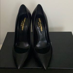 Saint laurent balck and gold opyum pumps